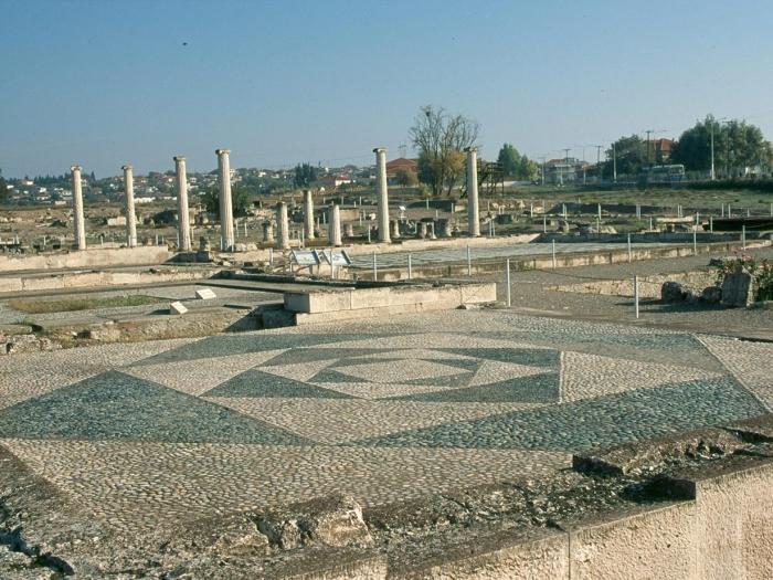Yacimiento y museo arqueológico de Pela
